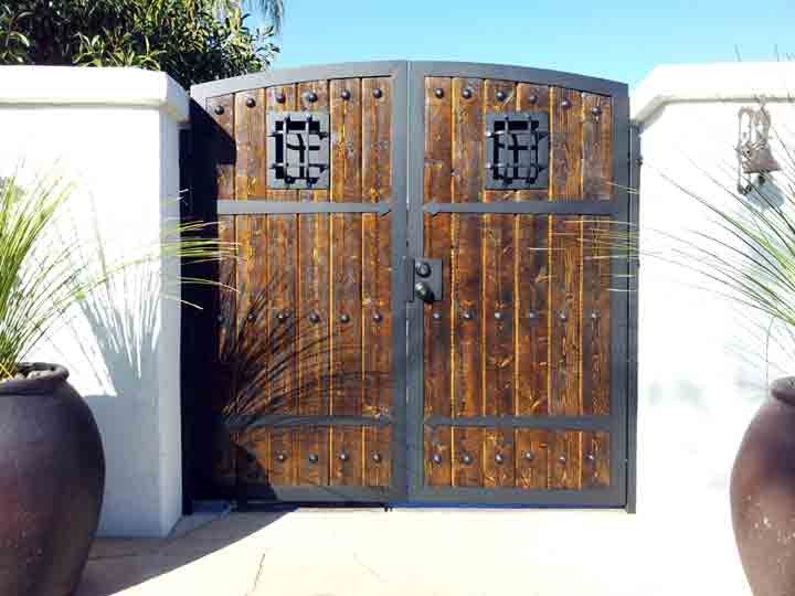 Gates iron wood gates solutioingenieria Image collections