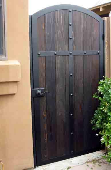 Gates iron wood gates - Puertas de madera para jardin ...